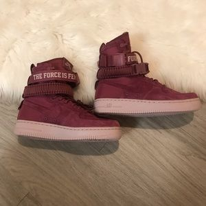 NWT SF Air Force One Mid Force Is Female  Sz 7.5